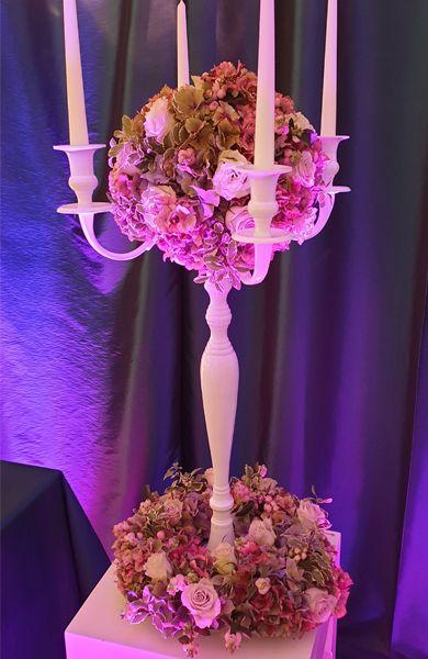 dekofee_lena_Hochzeitsdeko_Kerzenstaender_weiss_Blumenkugel