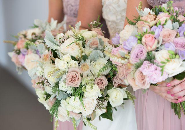 dekofee_lena_Hochzeitsdeko_Hochzeitsblumen