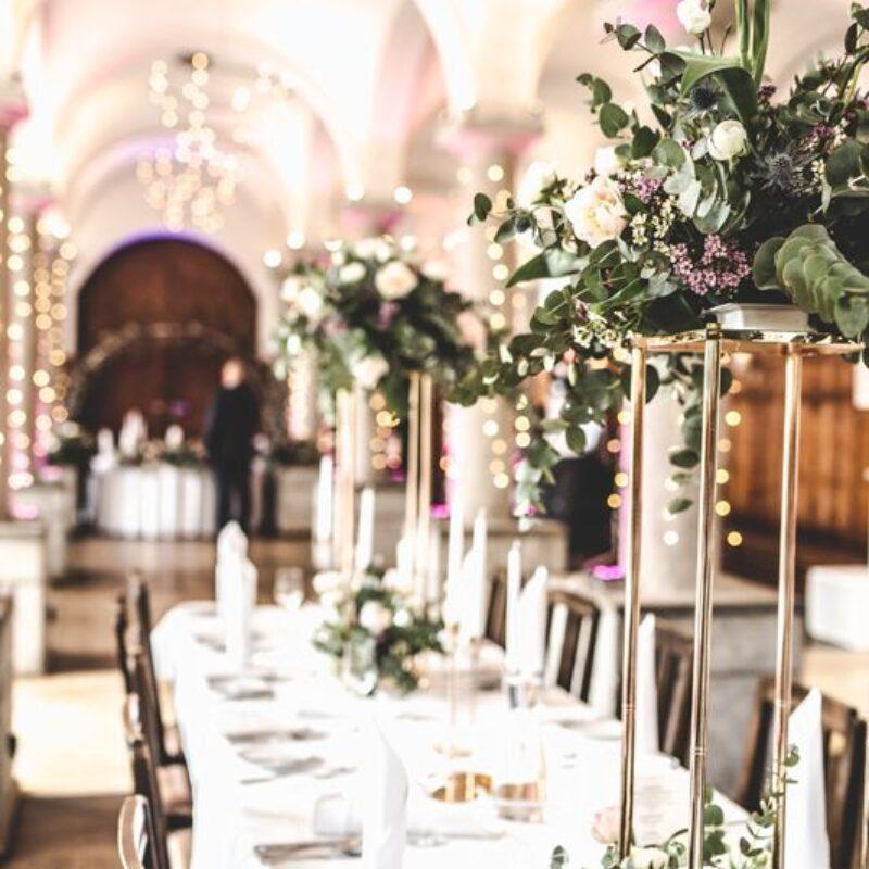 dekofee_lena_Hochzeitsdeko_Blumen_Aufsteller_gold