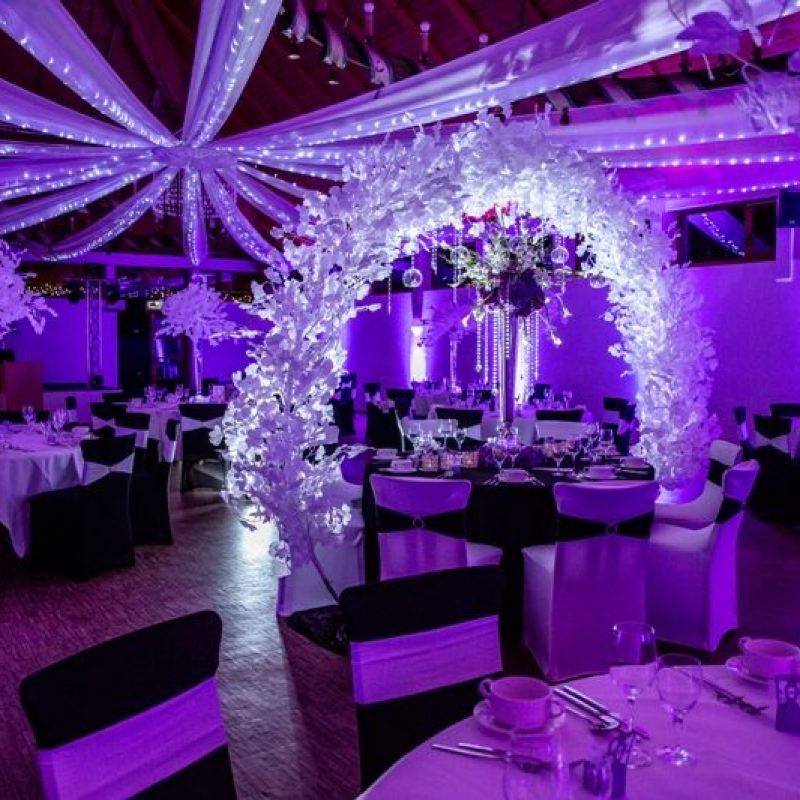 dekofee_lena_Hochzeitsdeko_schwarz_weiss_traubogen