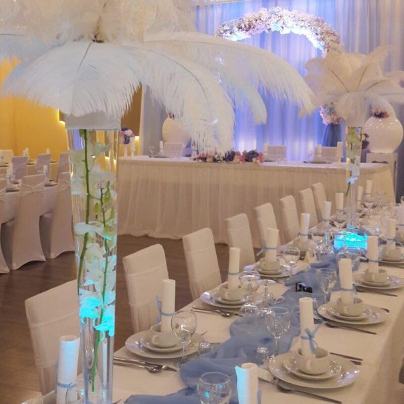 dekofee_lena_Hochzeitsdeko_weiss_Federn_Callas_3650
